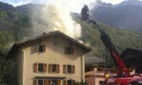 Am Montagvormittag brach in einem mehrstöckigen Wohnhaus in Champsec/Bagnes ein Brand aus.